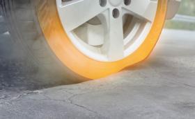 Nokian Tyres One е нова всесезнонна гума, чиито живот е почти 130 хил. км