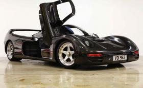 Porsche Schuppan 962CR е мощен 600 коня шосеен болид, един от само 6. И се продава