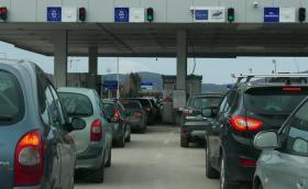 Върховният съд: Незаконно е да ви отнемат колата на границата за неплатени глоби