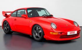 Това е 1995 Porsche 993 Carrera RS RUF Turbo R. Дълго име и висока цена – 878 000 лв.!
