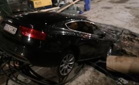 Софийска дупка погълна Audi!