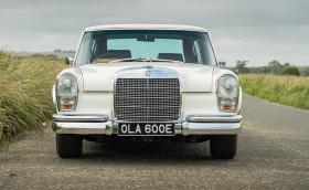 Продават този Merc 600, принадлежал на Джордж Харисън