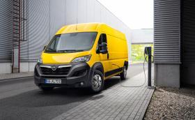 Това е новото Movano-e на Opel. На ток е, да!