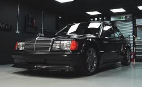 Супер удовлетворяващо видео на Mercedes-Benz 190E 2.3 Cosworth, подложен на педантичен детайлинг