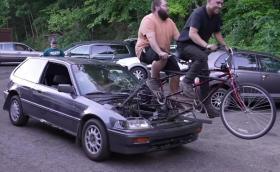 Това е Honda Civic със задвижване от тандем!
