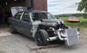Чуйте как работи 27-литровият Rolls-Royce V12 във Ford Crown Victoria