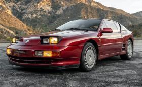 Alpine A610 е френско съкровище от началото на 90-те. Този екземпляр е от 1993-та и се продава