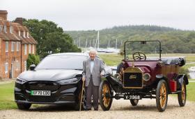 Британец на 101 години още шофира, обадил се за тест драйв на Mustang Mach-E