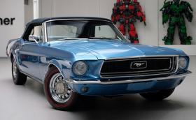 Този 1968 Ford Mustang 5.0 V8 Convertible e прекрасен и се продава за 49 500 евро