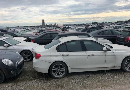 Помните ли онези 3000 изоставени BMW-та? Още са си там!