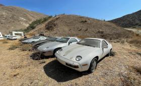 Вижте най-тъжните Porsche 928 в света!