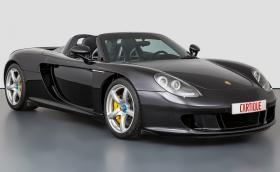 Това Porsche Carrera GT е с рядка цветова комбинация и се продава за 2,1 млн. лв.!