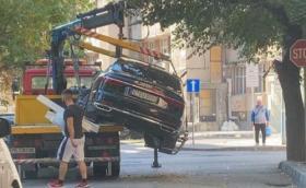 """""""Паяк"""" изпусна Audi A8 в Пловдив, счупи му моста"""