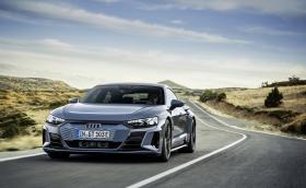 Впечатляващо: Audi представи e-tron GT, първата електрическа RS-ка