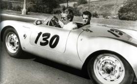 """Това е трагичната история на """"Малкото копеле"""": Porsche 550 Spyder на Джеймс Дийн"""