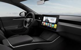 Tesla крие и нормален волан, ако забранят изрязания