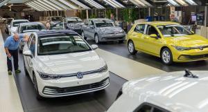 Перничанин открадна осем нови коли от завода на VW. Хванаха го чак в България