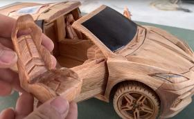 Изгубете 9 минути от живота си с този Corvette от дърво! (Видео)