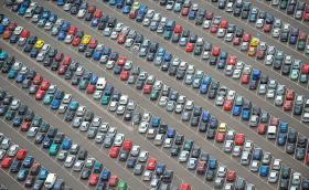 37% е спадът в продажбите за 2020, вижте колко коли на бензин и дизел има в страната