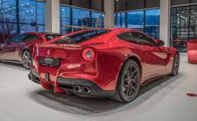 """Ferrari F12berlinetta със 740 коня и още 4 """"кончета"""" в новото ни видео!"""