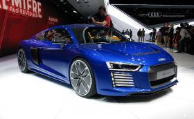 Третото поколение Audi R8 идва с две турбини и V8