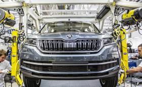 Заводите на Skoda спряха! Хиляди коли остават недовършени