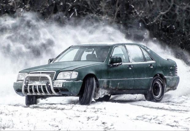Галерия 18 снимки. Merc S-Class SUV.