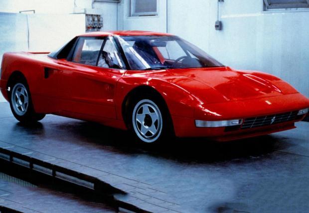 1987 Ferrari 408 4RM. Ако искате го приемете, като предшественика на FF. Разработено през 1887 г., това Ferrari разполага с 4-литров V8 с 300 к.с. и двойно предаване с хидравлично управление. С маса 1340 кг, би трябвало да се движи доста добре.