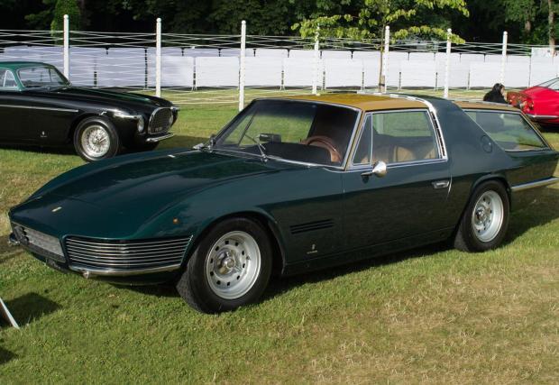 1965 Ferrari 330 GT Shooting Brake. Не е от най-красивите коли на Ferrari, но пък практична. Не споделя нито един елемент от каросерията си с донора 330 GT и разполага с 300-конен V12 и 5-степенна ръчна кутия. В момента е притежание на Дей Кей.