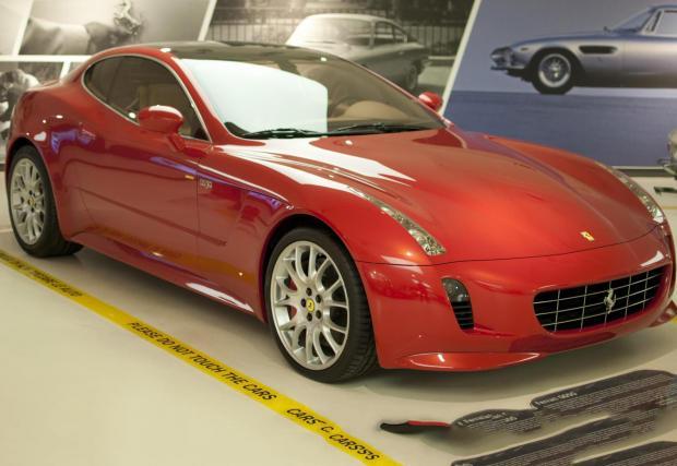 2005 Ferrari GG50. Изумителната конепция, която носи инициалите на Джорджеро Джуджаро, а 50 идва от 50-те години в които г-н Джуджаро прави коли. Колата бе представена през 2005 в Токио, а задвижването е поверено на атмосферен V12 с 540 коня.
