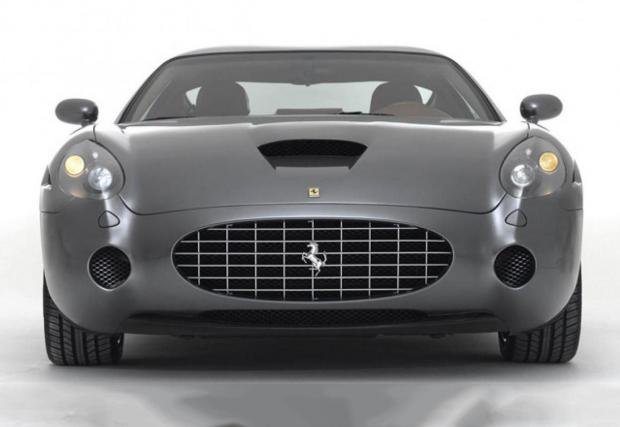 2006 Ferrari GTZ. Изработено на 100% от алуминий купе, дело на Zagato. Отдолу работи техниката на 575 Maranello, което значи 5,75-литров V12 (аха!) с 540 коня въртящи задните гуми. RM Sotheby's продадоха едно такова за над 1 млн. eвро.