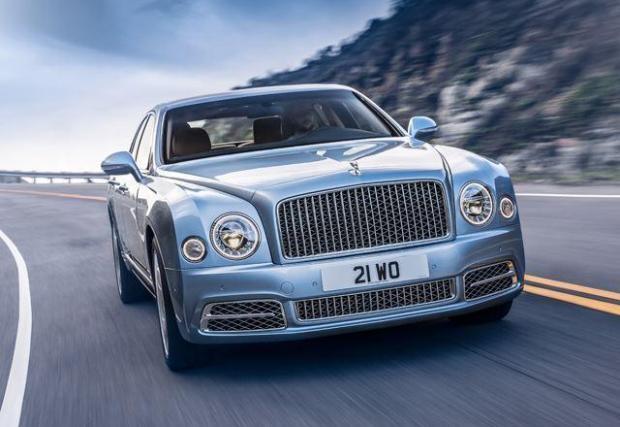 5. Bentley Muslanne – сериозно скаран с аеродинамиката и разточително задвижван от 6,8-литров битурбо V8. Проблемът е, че този двигател не е съществено променян от 60-те. Градският разход е 19,4 л/100 км, а извънградският – 12,5 л/100 км.