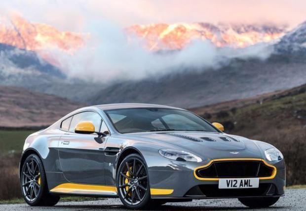 2. Aston Martin V12 Vantage S - най-малката кола в теста за малко да оглави класацията. Разработеният от Mercedes-AMG 4-литров V8 ще е много по-икономичен, но британците още предлагат Vantage с атмосферен V12, пиещ по 20 л/100 км градско и 12,5 средно.