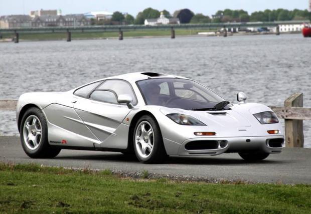 Една от любимите ни коли е на над 20 години, а все още изглежда маниакално.