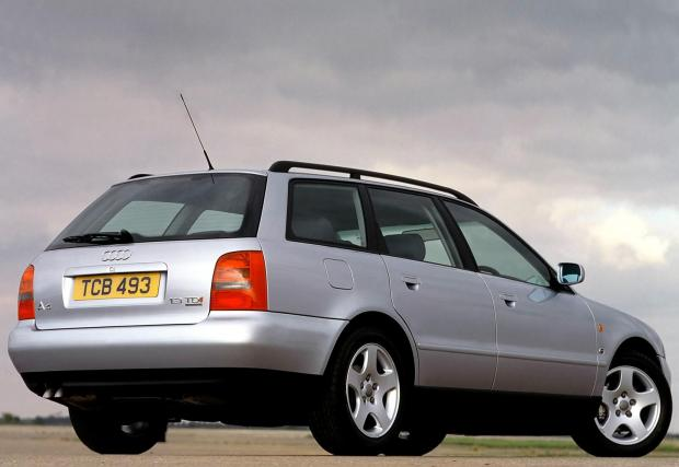 Истината е, че пазарът за стари коли е силен и в много други европейски страни. Просто у нас този на нови е много слаб.
