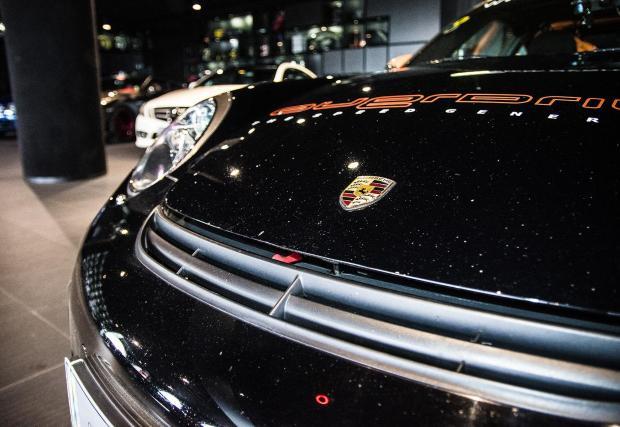 Най-известният автомобил на Overdrive не е просто шоурумен експонат: следите от камъчета свидетелстват, че се кара яко.