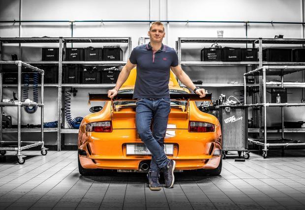 Галерията си заслужава: 34 кадъра с автомобилните бижута на Overdrive.