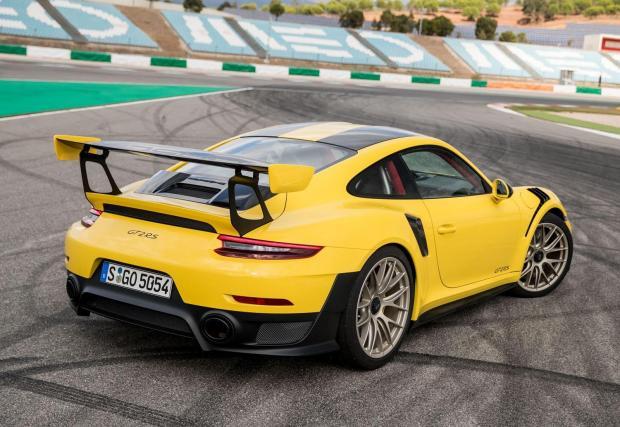 Галерия с 10 забавни спортни модела, които общо струват колкото това Porsche