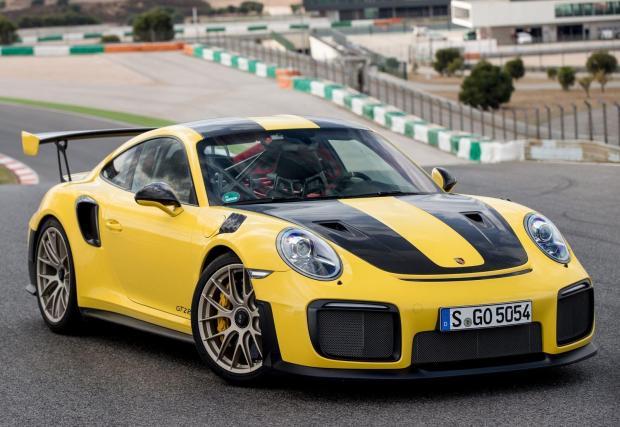 Десетте изброени правят сметка от приблизително 284 хил. евро. За GT2 RS Porsche иска 285 хил. евро