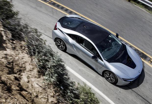 6. Още едно произведение на изкуството от Баварция - 3-цилиндровия 1,5-литров на MINI в BMW i8