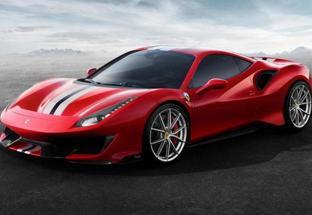 1. И победителят е.... 3,9-литровият битурбо V8 на Ferrari 488