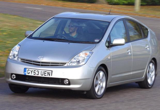 5. Prius е икона на прехода към хибридно и електрическо задвижване и няма как да минем без неговия 1,5-литров мотор