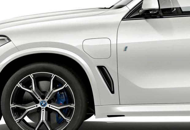 Новите BMW-та в Щатите ще имат капачка за зареждане с ток вместо с дизел