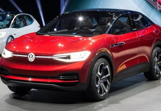 16. VW I.D. Crozz: Германският гигант се опитва да накара всички ни да забравим за дизеловото фиаско с цял куп нови изцяло електрически модели. Този има 300 коня и пробег от 500 км.