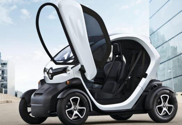 7. Renault Twizy - Вратите са допълнителна опция в малкия електромобил на Renault, който серийно идва съвсем гол. Разбира се, това не е проблем, понеже Twizy не може да вземе завой толкова бързо, че да изпаднете...