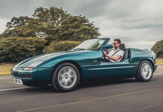 8. BMW Z1 - Безумното решение на баварският модел от 90-те е абсурдно и буквално неповторимо. Може би затова толкова ни радва.