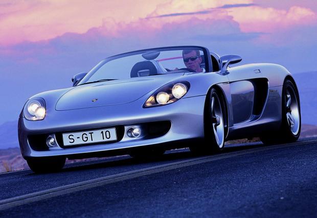 """Porsche Carrera GT: """"Управлението е като на състезателна кола, но винаги имаше проблем с гумите. Все не можеха да се намерят нормални гуми за нея. Имам една в гаража си и още е с първия комплект гуми"""""""