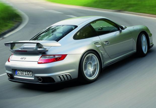"""Porsche 911 GT2: """"На """"Фланцгартен"""" на Северната дъга вдигах 307 км/ч - беше по-бърза бърза от състезателната ми кола и притежаваше толкова много свобода. Но без място за грешки - трепнеш ли за миг, изчезваш…"""""""