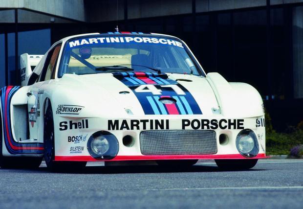 """Porsche 935: """"На мокра писта държах волана с две ръце и не можех да я накарам да върви направо. Ако кола се пързаля при 180 км/ч е окей, при 200 обаче започва да става малко сложно..."""""""