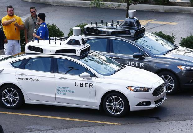 Uber провежда изпитания с безпилотни коли. Засега единствената фатална катастрофа с автономен автомобил стана с Volvo XC90 на Uber, макар да се доказа, че собствените системи за сигурност на Volvo-то са били изключени